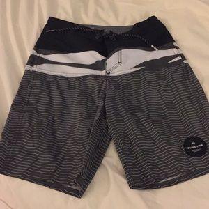 Quicksilver boys board shorts size 8(23) NWOTS